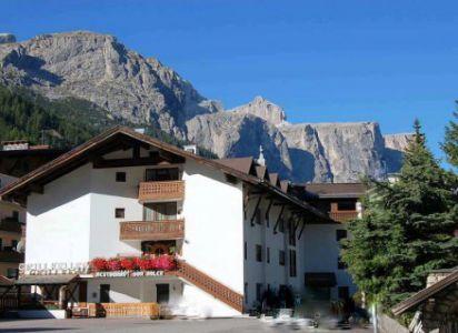 Agenzia Table - Ciasa Aquila - Corvara Alta Badia