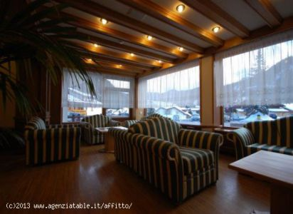zona divani in soggiorno